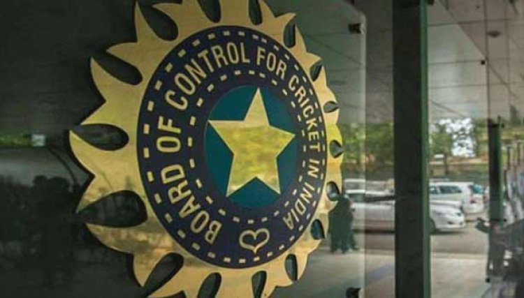 முன்னாள் இந்திய வீரர்கள் இருவர் இந்திய அணியின் புதிய பயிற்சியாளராக நியமிக்க வாய்ப்பு..?!
